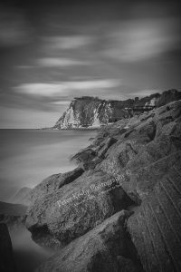 AB008 shakespeare beach black white rocks web