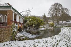 AC042 russel gardens bridge snow curl away web