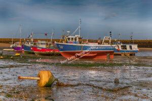 AN033 folkestone row of boats buoy web
