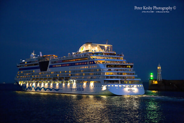 Aida Luna Departing From Dover