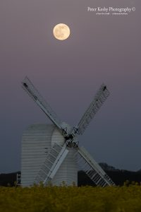 AT001 moon over chillenden windmill