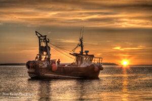 BJ001 fish boat close up sunset